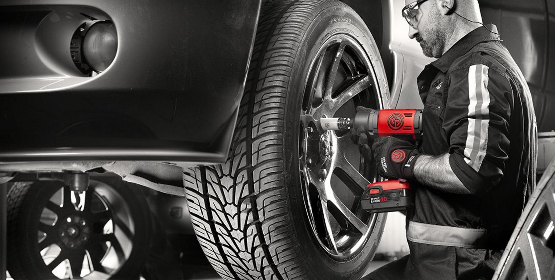 Ударный аккумуляторный гайковерт Чикаго Пневматик Фото